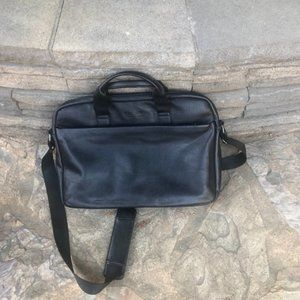 Kenneth Cole Reaction Black Laptop Messenger Bag
